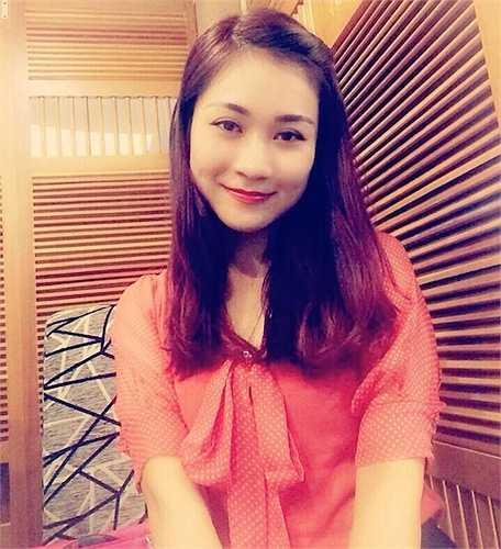 Cùng ngắm nhan sắc xinh đẹp ở đời thường của vợ mới Tự Long - Minh Nguyệt: