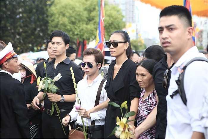 Các nghệ sỹ Việt nhoè nước mắt vì thương nhớ đồng nghiệp.