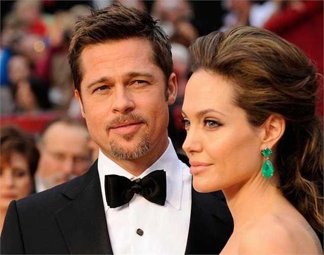 Cả thế giới từng ngỡ ngàng khi hơi thở của cặp đôi Brad và Angelina Jolie được rao bán trong một cái chai. Nghe có vẻ điên rồ nhưng có người đã mua nó với giá 530 USD (11 triệu đồng).