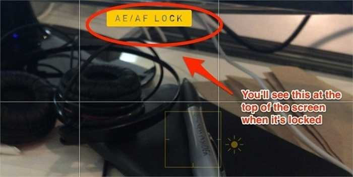 Chạm và giữ màn hình để khóa đo sáng, sau đó bạn không phải điều chỉnh chúng lần chụp tiếp theo.
