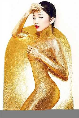 Sau khi tham gia chương trình The Remix, tên tuổi của Tóc Tiên ngày càng nóng và được quan tâm