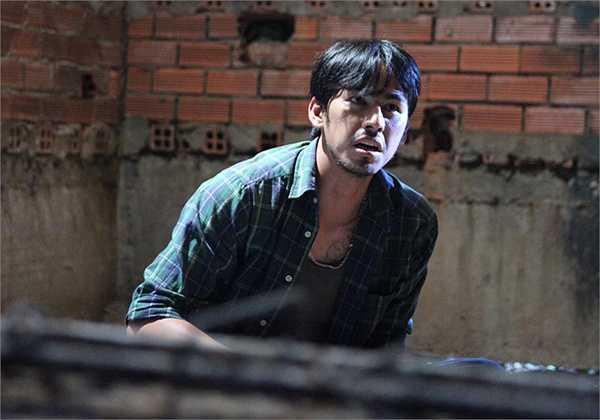 Hình ảnh của Duy Nhân trong bộ phim cuối cùng: Thám tử Hên Ry.