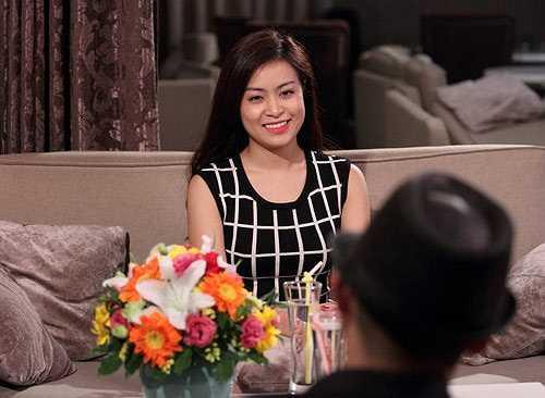 Đầu tháng 3 năm 2014, cô gái gốc Hà Nội lần đầu tiên trở thành nhân vật chính trong talkshow truyền hình Lần đầu tôi kể của kênh HTV2. Cô thoải mái nói với anh Bờ Vai về những cú vấp và việc lội ngược dòng để trở lại.