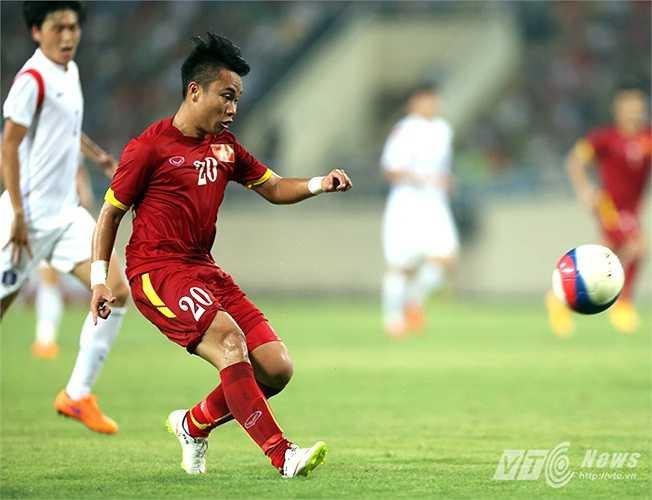 Tuy nhiên, khi độ nhiệt của tiền vệ quê Hà Tĩnh còn chưa mang đến hiệu quả trên hàng công U23 Việt Nam thì... (Ảnh: Quang Minh)