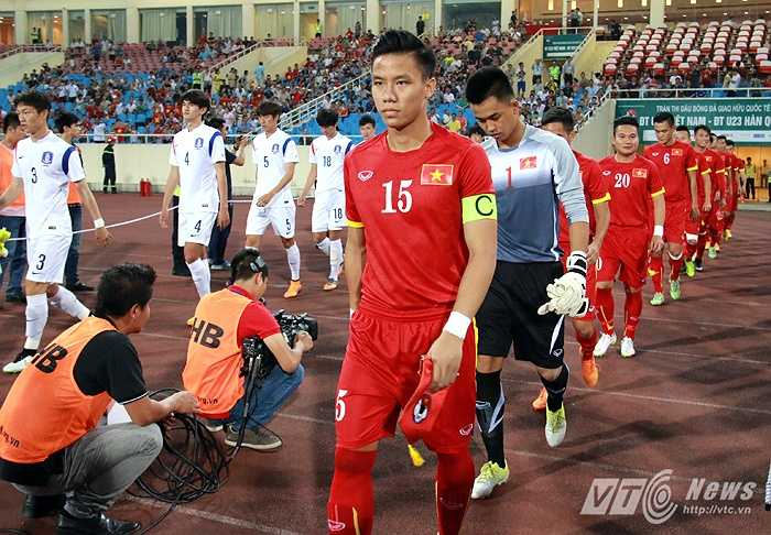 Văn Tiến được HLV Miura chọn bắt chính trận U23 Việt Nam gặp U23 Hàn Quốc. (Ảnh: Quang Minh)