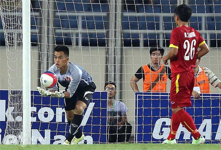 Thủ thành của HAGL từng lỡ hẹn ở vòng loại U23 châu Á vì bệnh thủy đậu dù được kỳ vọng là thủ thành số 1. (Ảnh: Quang Minh)