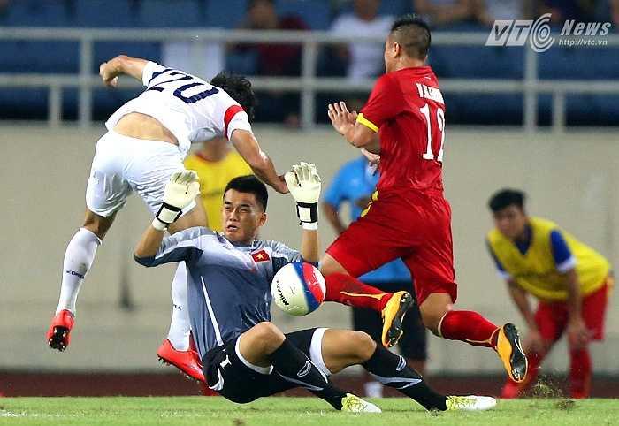 Rất may là U23 Hàn Quốc không tận dụng được. (Ảnh: Quang Minh)
