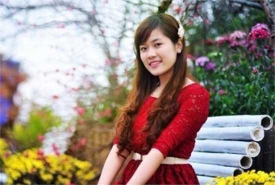 Kiều Linh sinh năm 1993 (quê Phú Thọ), hiện đang là sinh viên năm 3, khoa Quản trị kinh doanh, Đại học Công đoàn.