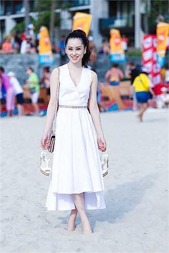 Nhan sắc ngọt ngào của Á hậu trang sức.
