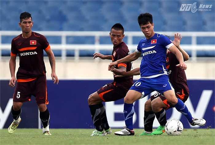 Tiền đạo của U23 Việt có đúng một cơ hội đáng kể nhưng lại kết thúc ra ngoài. (Ảnh: Quang Minh)