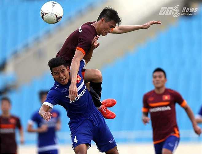 Đức Lương là hậu vệ chơi tồi nhất ở U23 Việt Nam chiều qua.(Ảnh: Quang Minh)