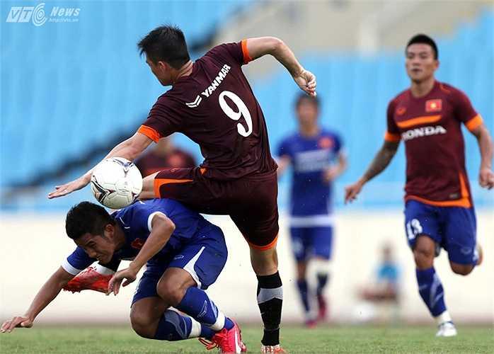 U23 Việt Nam thua kém hoàn toàn so với các đàn anh.(Hà Thành -Ảnh: Quang Minh)