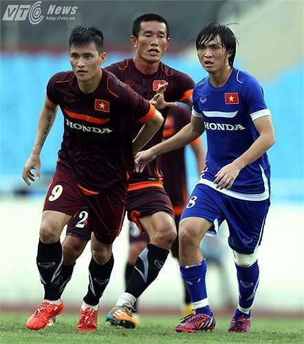 Anh di chuyển rộng, thu hút cầu thủ U23. (Ảnh: Quang Minh)