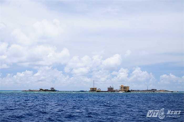 Đảo chìm Đá Tây nhìn toàn cảnh