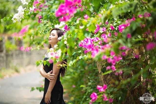 Cô con gái đầu của chị Linh hiện đang học lớp hai, bé thứ 2 đang học lớp 1 và bé út vừa mới tròn 2 tuổi.