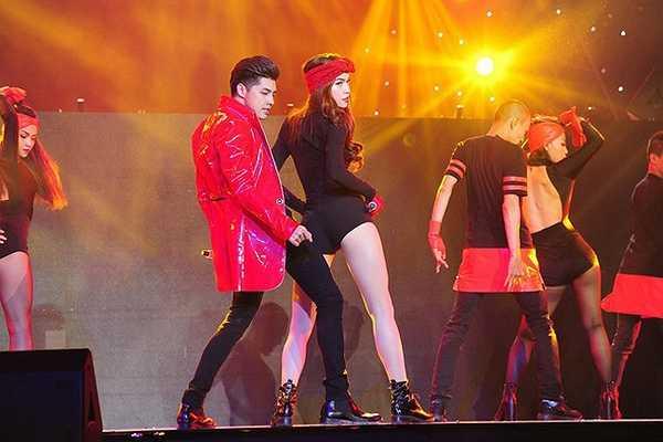 Nữ hoàng sexy và khách mời Noo Phước Thịnh khiến khán giả phấn khích trước màn song ca ca khúc Em đi tìm anh
