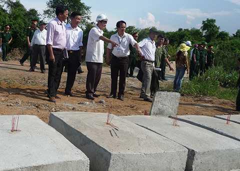 400 ngôi mộ, đào nhầm mộ, đào đất, Đà Nẵng, Nghĩa trũng, nghĩa trang, mồ mã, bức xúc