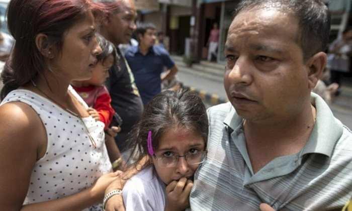 Người dân Nepal thực sự hoảng loạn vì họ phải hứng chịu 2 trận động đất mạnh liên tiếp (7,9 và 7,3 độ Richter)
