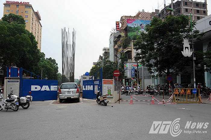 Cơ quan chức năng đã cho phương tiện đi vào phần đường ngược chiều để tránh ùn tắc.
