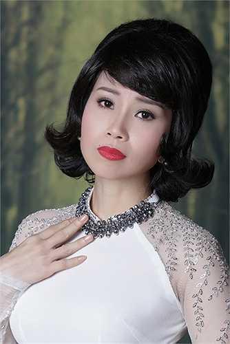 Chương trình còn có sự tham gia của: Quốc Đại, Vân Quang Long, bé Thiên Nhân cùng các thí sinh Giọng Hát Việt nhí. Dẫn chương trình là 2 diễn viên hài nổi tiếng Anh Vũ - Trường Giang.