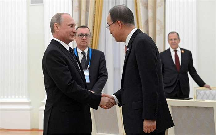 Tổng thống Nga Vladimir Putin trong cuộc gặp Tổng Thư ký Liên Hợp Quốc Ban Ki-moon tại điện Kremlin