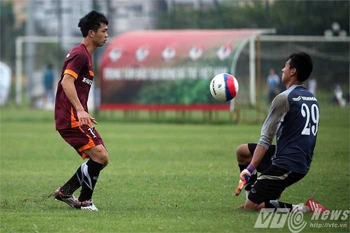 Những bài tập của U23 Việt Nam sáng nay chủ yếu chú trọng vào dứt điểm (Ảnh: Quang Minh)