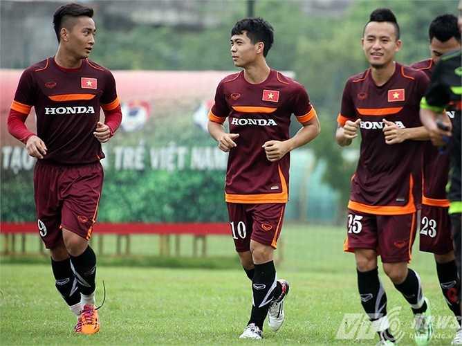 Bộ đôi tiền đạo U19 Việt Nam: Công Phượng - Tuấn Tài (Ảnh: Quang Minh)