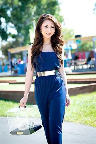 Vừa qua, HH Jennifer Chung đã tham gia trình diễn thời trang từ thiện của NTK Lê Thanh Hòa và Thủy Nguyễn với vai trò vedette trên sàn catwalk