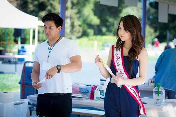 . Trước đó, cô từng có danh hiệu Hoa hậu Áo dài Bắc California 2014.Jennifer Chung tên thật là Chung Ngọc Như Thy, năm nay 22 tuổi.