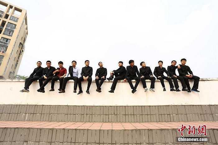 Cảnh chụp trên sân thượng của trường học.