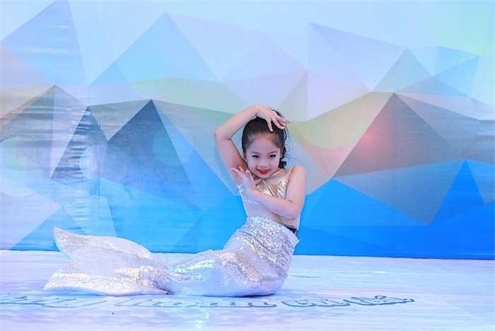 Tuy tuổi còn rất nhỏ nhưng các bé đã thể hiện được niềm yêu thích của mình với bộ môn nhảy múa và khả năng của mình khi đến với bộ môn này.