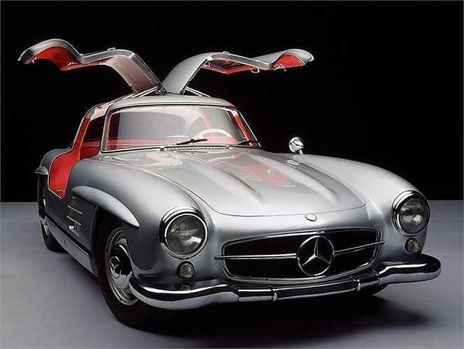 Với giới săn xe cổ, Mercedes-Benz 300SL Gullwing luôn là báu vật được săn tìm. Giờ đây, họ đang đổ xô tới Cuba để hy vọng tìm thấy những chiếc xe loại này đang lăn lóc ở xó xỉnh nào đó.
