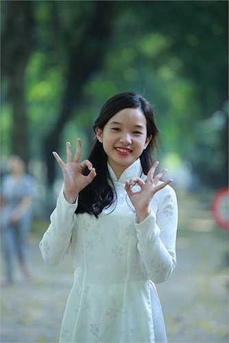 Tú Linh xinh đẹp tuổi mới lớn.  (Nguồn: 24h)