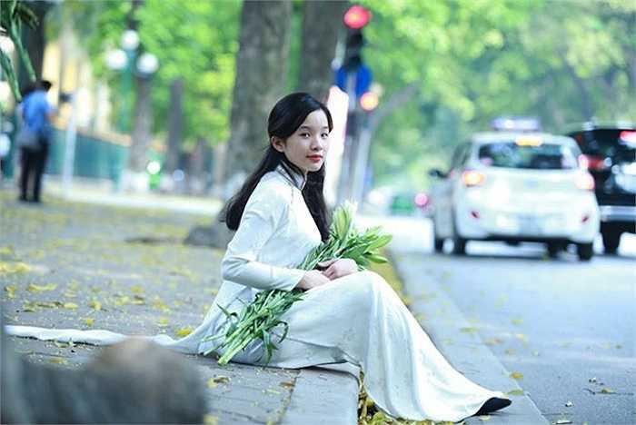 Hơn nữa, ngay từ bé, Tú Linh cũng có thiên hướng thích gắn bó với piano hơn.