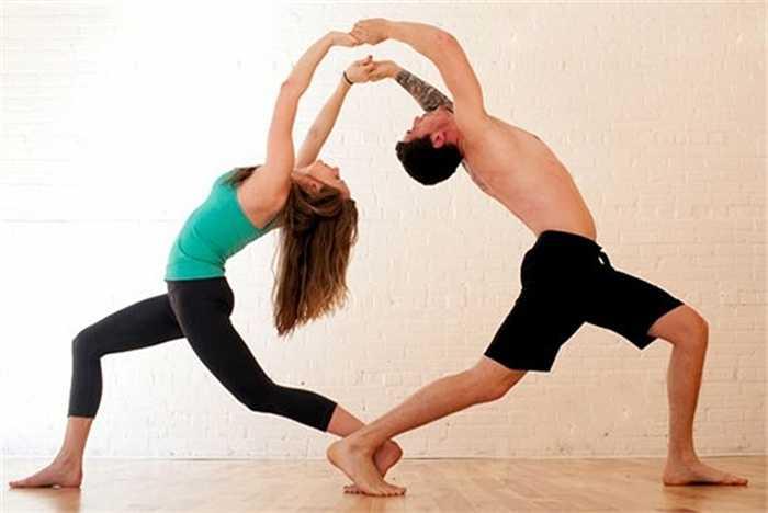 Hoạt động thể chất không chỉ là một cách tuyệt vời để giảm cân mà nó còn giúp các quý ông tự tin hơn về bản thân. Thêm vào đó, sự tiết mồ hôi giúp thúc đẩy testosterone, làm tăng ham muốn tình dục.