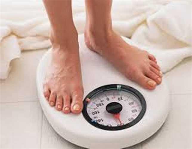 Những người đàn ông béo phì có nồng độ testosterone thấp hơn nhiều. Điều này giúp quý ông duy trì chức năng tình dục. Vì vậy, các quý ông nên thay đổi chế độ ăn uống và giảm cân khi họ đang gặp vấn đề về cương dương.