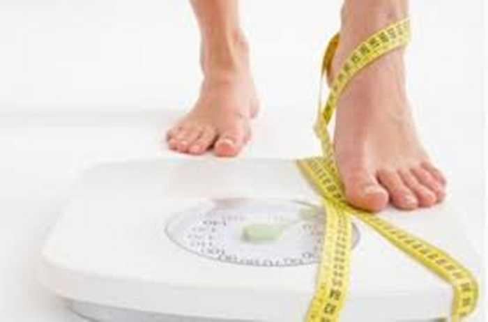 Duy trị cân nặng ổn định: Duy trì cân nặng ổn định không những tăng cường sức khỏe mà còn  giúp chàng lấy lại phong độ và tăng khả năng cương cứng của cậu nhỏ.