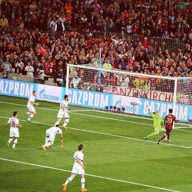 Một trong những 'khoảnh khắc thiên tài' của Messi mà thế giới bóng đá sẽ còn nhắc mãi