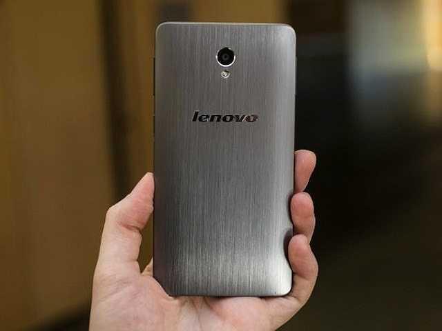 5. Lenovo S860: Đây là một chiếc smartphone được đánh giá rất cao về dung lượng pin lại được hỗ trợ thêm 2 sim 2 sóng. Máy được trang bị camera sau 8 MP, dung lượng Ram 2GB và dung lượng Pin cực lớn 4000 mAh. Đây có thể nói là chiếc smartphone 2 sim 'khủng' nhất hiện nay. Giá tham khảo: 6,5 triệu đồng.