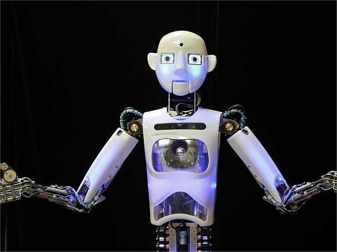 Diễn viên: RoboThespian, một robot đa ngôn ngữ, có khả năng tương tác bằng mắt và đoán tâm trạng con người, biết nhảy múa, hát theo nhạc và diễn xuất. Mới đây nó còn nhận vai chính trong một bộ phim mới của nhà sản xuất Franz Kafka.