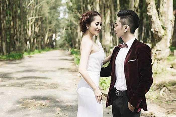 Dù phải chịu không ít áp lực, nhưng Phan Hiển luôn ở bên động viên Khánh Thi.