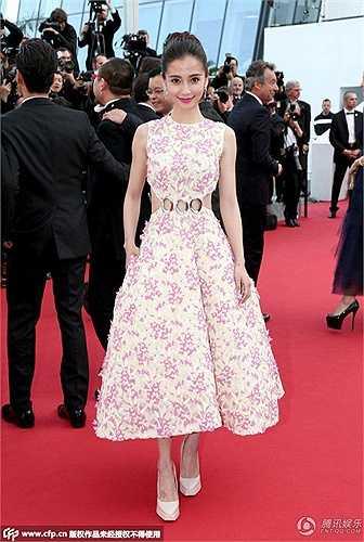 Dàn sao Hoa ngữ đến với ngày đầu tiên của Cannes còn có Angela Baby.