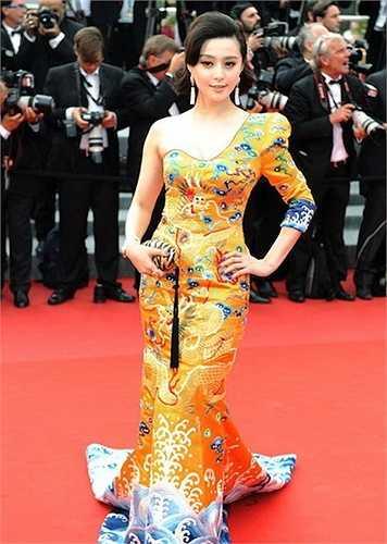 Phạm Băng Băng từng nhiều lần được ca ngợi vì những trang phục phá cách nhưng đậm tinh thần dân tộc tại các sự kiện quốc tế.