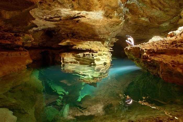 Sơn Đoòng đã soán ngôi hang Deer của Malaysia và trở thành hang động tự nhiên lớn nhất thế giới