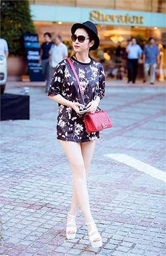 Những trang phục đậm chất 9X của Jennifer Phạm.