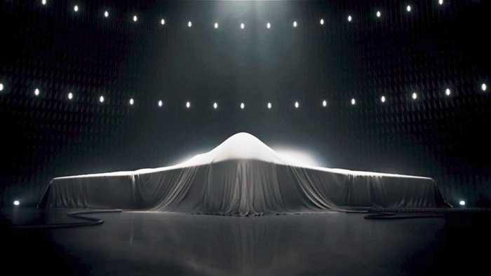10. Kế hoạch thay thế đang diễn ra. Mặc dù tuyên bố sẽ còn sử dụng lâu dài nhưng trên thực tế, Mỹ đang thực hiện nhiều nghiên cứu để 'khai tử' chiêc máy bay B2 Stealth Bomber