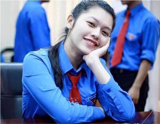 Minh Ngọc luôn được được tình cảm yêu mến từ thầy cô, bạn bè trong trường.