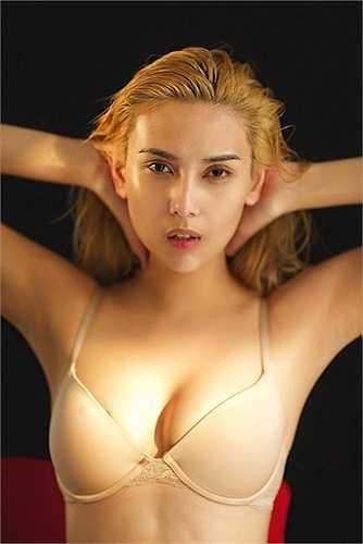 Hiện tại, Hoàng Yến là những nhân vật 'đinh' của làng mẫu Việt xuất hiện ở hầu hết các show thời trang lớn nhỏ