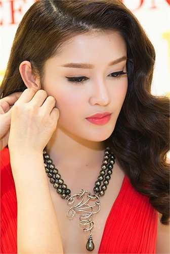 Tại cuộc thi Hoa hậu Việt Nam 2014, Á hậu Huyền My cũng nhận được sự quan tâm của công chúng chẳng kém người đăng quang. Số đông cho rằng, cô gái này xứng đáng với ngôi vị cao nhất của cuộc thi hơn