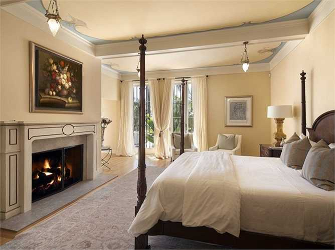 Mặc dù diện tích của căn nhà là rất rộng, chủ nhân của nó chỉ xây dựng 4 phòng ngủ